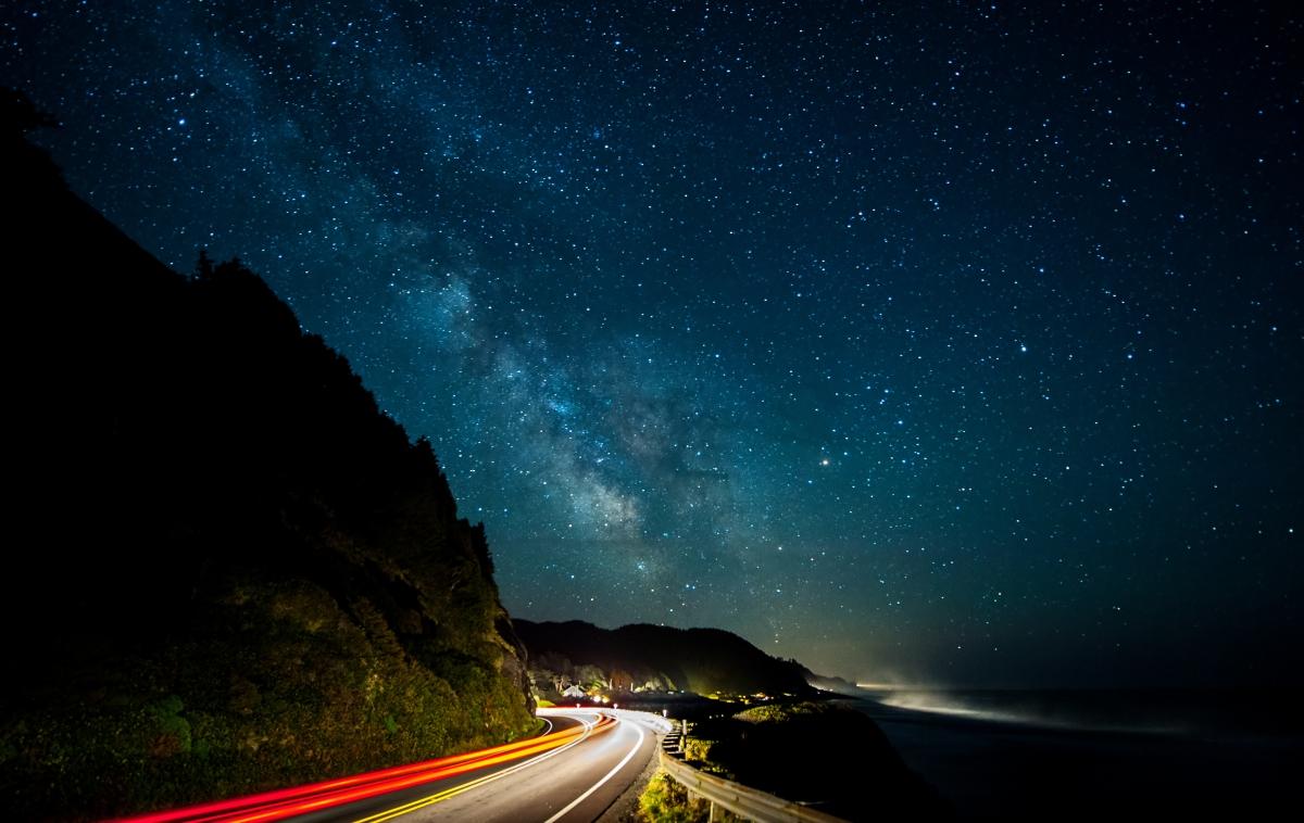 银河系 路 灯 4K风景高端电脑桌面壁纸