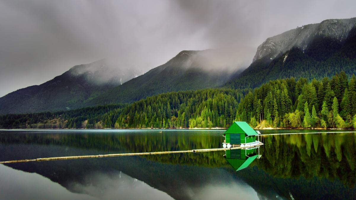 不列颠哥伦比亚省温哥华北部 Capilano湖4K风景高端电脑桌面壁纸