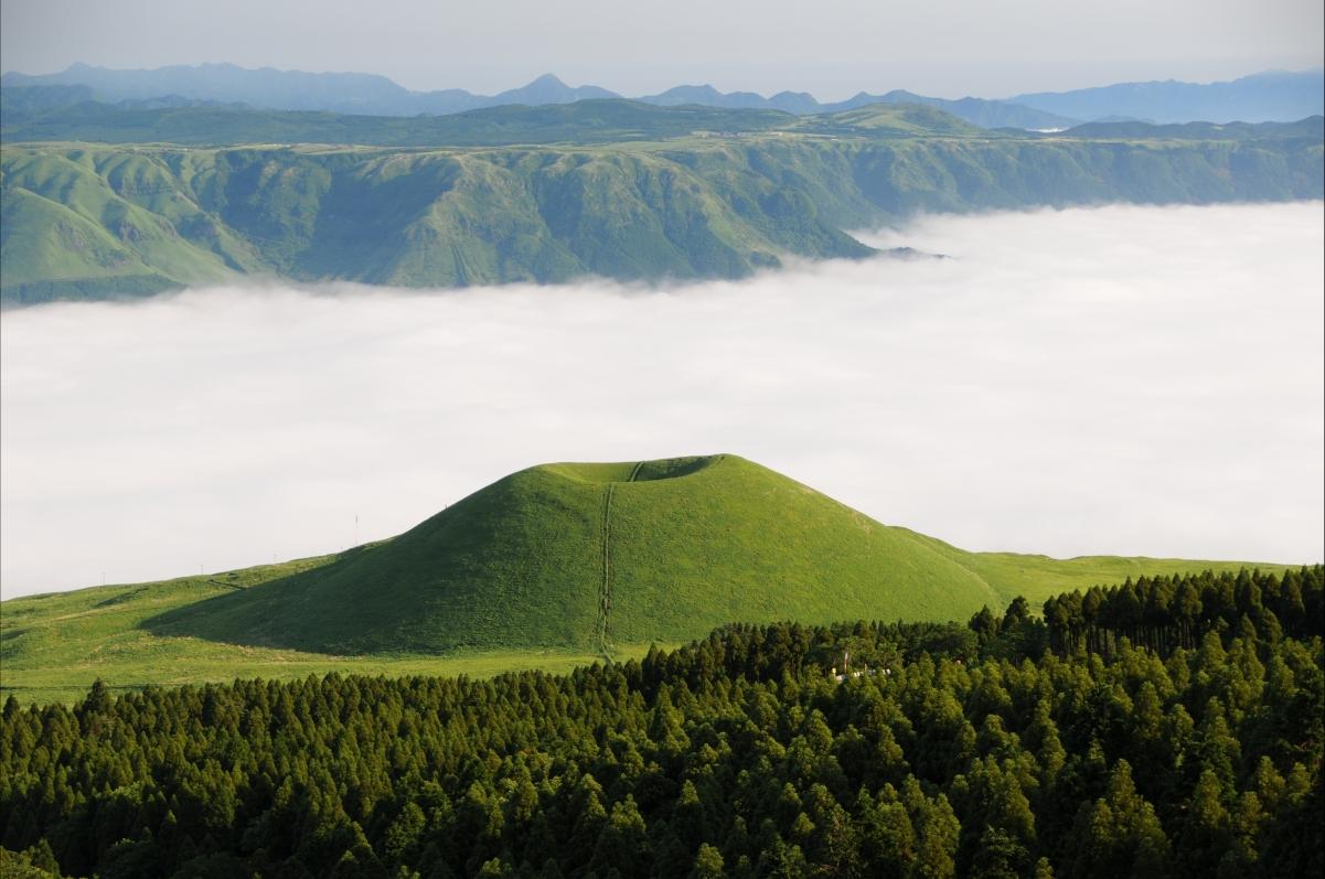 麻生太郎 米冢 海的云 熊本 日本风景山云海4k图片
