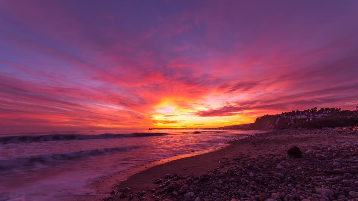 加利福尼亚州的圣巴巴拉海滩风景4k高端电脑桌面壁纸