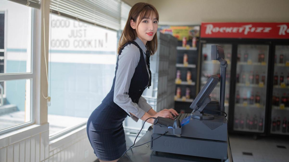 收银员制服美女陆萱萱4k壁纸极品壁纸推荐3840x2160