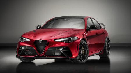 2020款红色阿尔法·罗密欧Giulia GTAm百变桌面精选高清壁纸