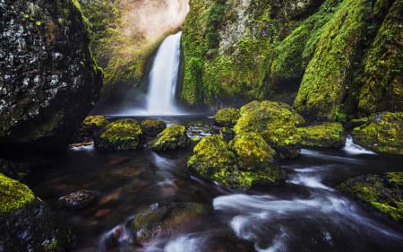 美丽的瀑布和溪流高端桌面4K+高清壁纸图片