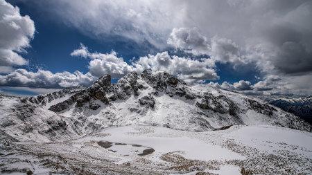 意大利美丽的白云石山风景百变桌面精选高清壁纸