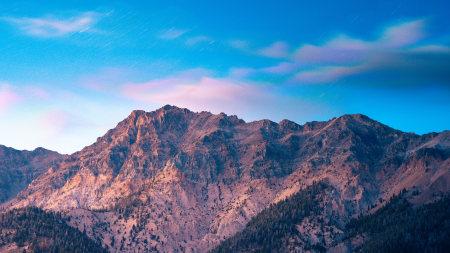 蓝天下的高山高端桌面4K+高清壁纸图片
