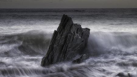 海边岩石高端桌面4K+高清壁纸图片