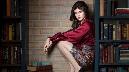 亚历珊德拉·达达里奥(Alexandra Daddario)高端桌面4K+高清壁纸图片