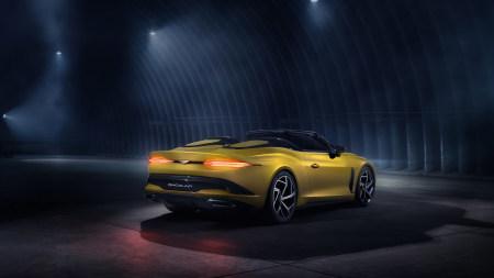 2020款黄色宾利Mulliner Bacalar敞篷跑车高端桌面4K+高清壁纸图片