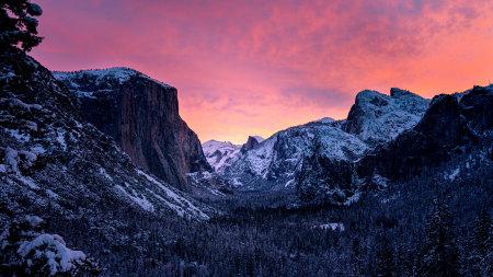 黄昏时分的约塞米蒂国家公园高端桌面4K+高清壁纸图片