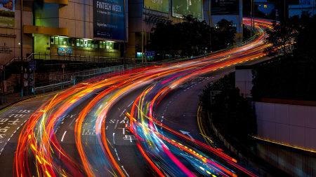 夜晚的城市马路灯光高端桌面4K+高清壁纸图片
