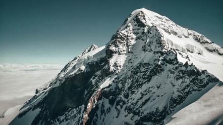 雪山之巅百变桌面精选高清壁纸