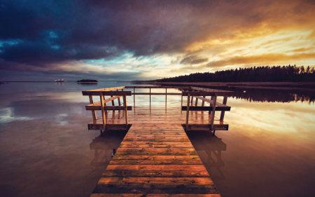 美丽的湖边码头高端桌面4K+高清壁纸图片