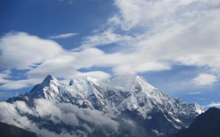 高耸的雪山高端桌面4K+高清壁纸图片