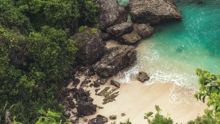 海岸巨大的岩石自然风景百变桌面精选高清壁纸