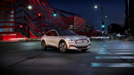 2020款白色福特野马Mach-E GT Performance纯电动汽车高端桌面4K+高清壁纸图片