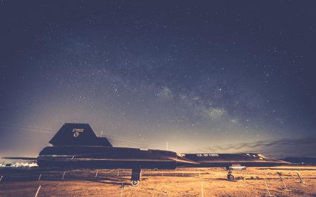 夜晚的飞机高端桌面4K+高清壁纸图片