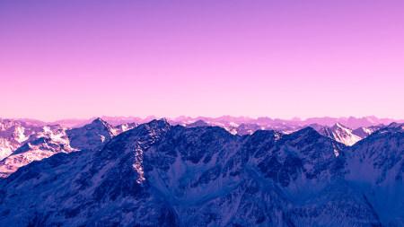 粉红色天空和山脉高端桌面4K+高清壁纸图片