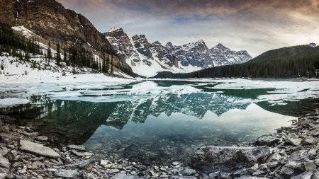 加拿大班夫国家公园梦莲湖冬天风景高端桌面4K+高清壁纸图片
