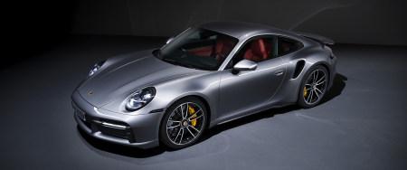 2020款银色保时捷911 Turbo S跑车百变桌面精选高清壁纸