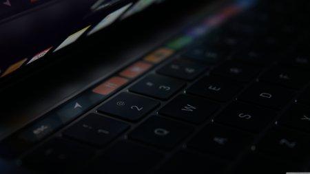 MacBook触摸屏极品游戏桌面精选4K+高清壁纸