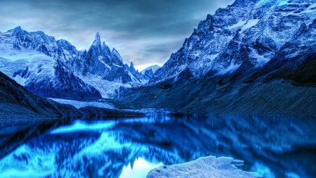 南极冬天的山脉风景高端桌面4K+高清壁纸图片