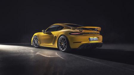 黄色保时捷Cayman GT4百变桌面精选高清壁纸