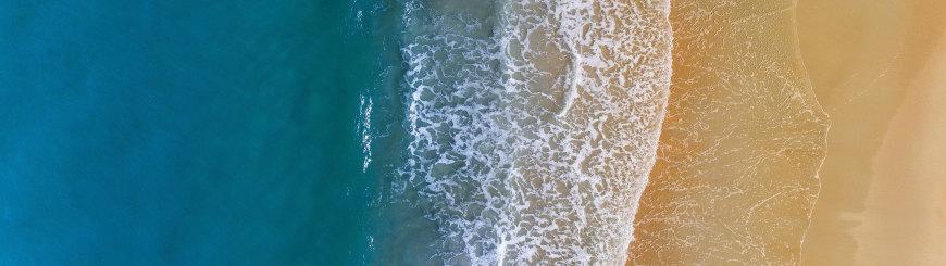 沙滩海浪鸟瞰图高端桌面4K+高清壁纸图片